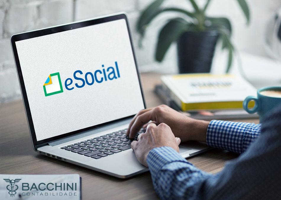 Mudanças no eSocial adiam a entrada de empresas do Simples Nacional